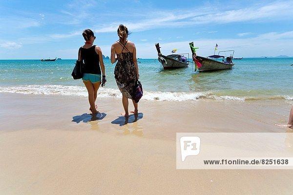 Strand  warten  Tourist  Fähre  Krabi  Thailand