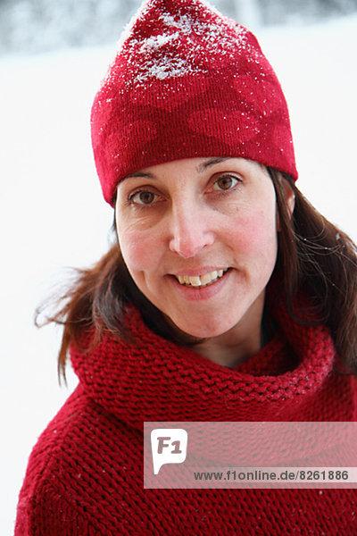 Portrait  Frau  Hut  rot  Kleidung