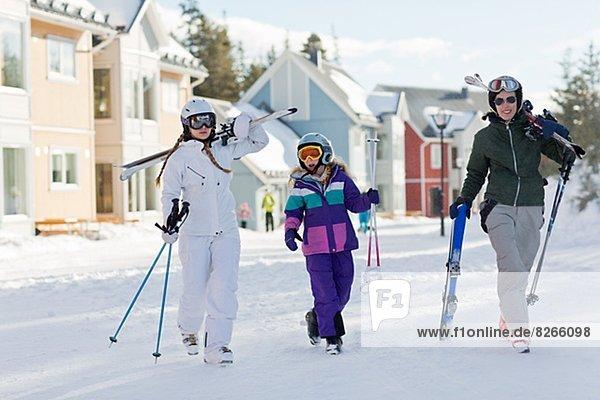 Urlaub  Ski  Tochter  Mutter - Mensch
