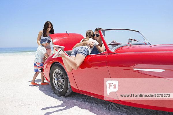 Familienpackung Cabrio am Strand