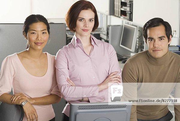 Porträt von drei Büroangestellte