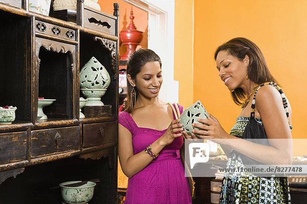 Zusammenhalt Frau Wohnhaus kaufen Indianer amerikanisch Dekoration