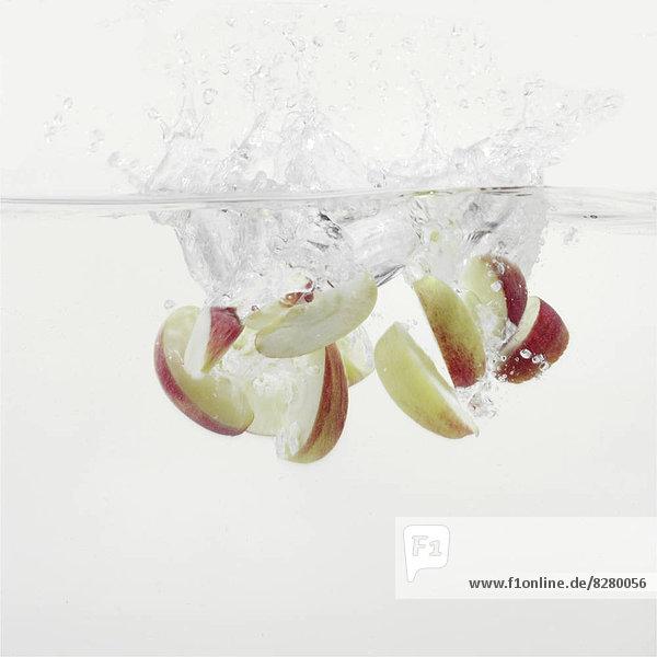 Wasser  planschen  Scheibe  Apfel  Blechkuchen