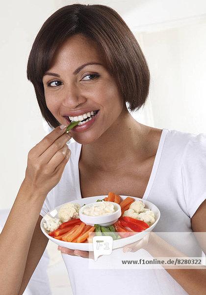 Frau  essen  essend  isst