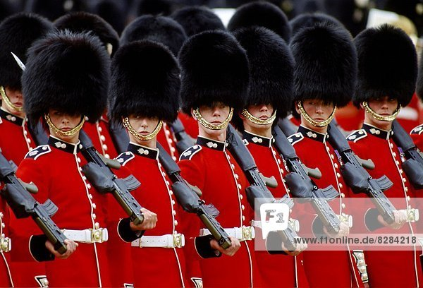 Farbe Farben Großbritannien London Hauptstadt Soldat England Parade