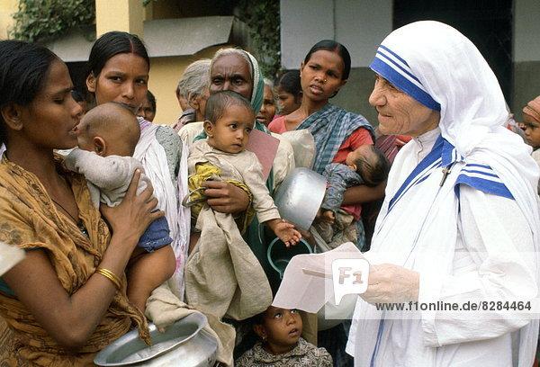 Aufgabe  Mutter - Mensch  Kalkutta  Indien