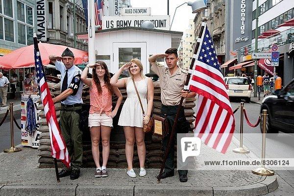 Berlin  Hauptstadt  Tourist  Soldat  amerikanisch  Schauspieler  Überprüfung  Deutschland