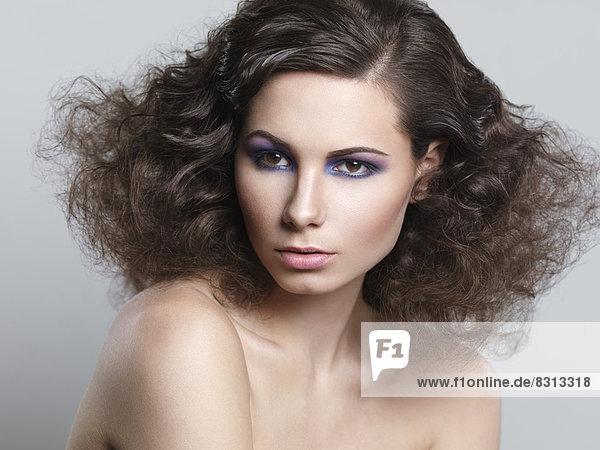 Beauty-Portrait einer jungen Frau