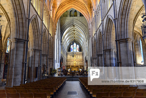 Southwark Cathedral oder The Cathedral and Collegiate Church of St Saviour and St Mary Overie  Innenansicht
