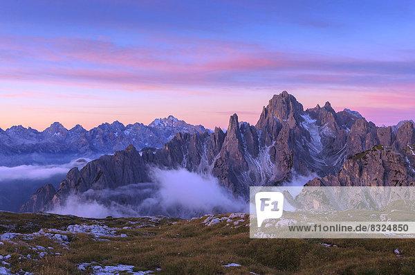 Cadinspitzen  Sextener Dolomiten  kurz vor Sonnenaufgang