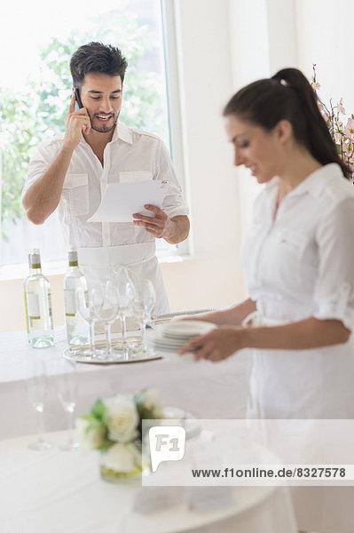Vorbereitung  am Tisch essen  Inhaber  Tisch  Business