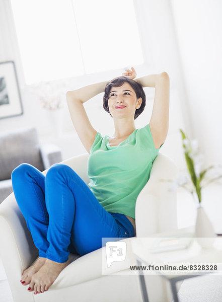 Interior  zu Hause  Portrait  Frau  Entspannung  jung