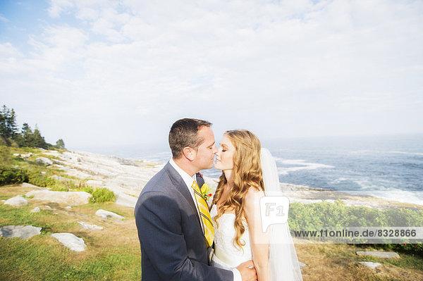 Portrait  Ehepaar  küssen