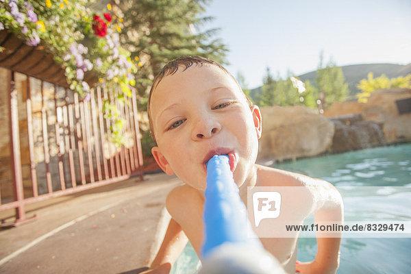Pose Junge - Person Schwimmbad 5-6 Jahre 5 bis 6 Jahre