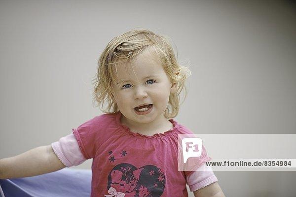 Zweijähriges Mädchen  Portrait