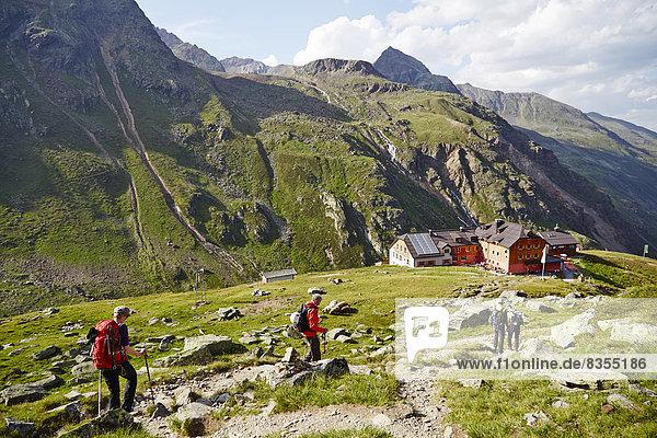 Bergsteiger am Taschachhaus im Pitztal  Tirol  Österreich