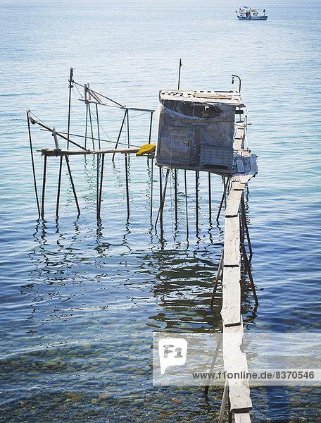 Truthuhn  Wasserrand  Boot  Meer  Steg  angeln  Türkei