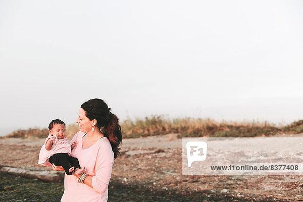 Strand  multikulturell  Tochter  Mutter - Mensch  Baby  British Columbia  Kanada Strand ,multikulturell ,Tochter ,Mutter - Mensch ,Baby ,British Columbia ,Kanada