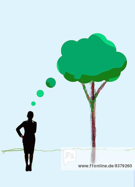 Geschäftsfrau mit Gedankenblase als Baum Geschäftsfrau mit Gedankenblase als Baum