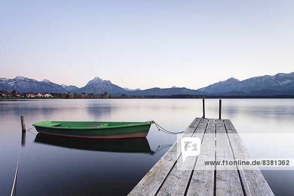 Europa Sonnenuntergang See Boot Rudern Allgäu Bayern Deutschland