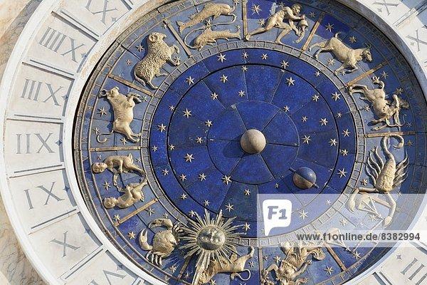 Detail  Details  Ausschnitt  Ausschnitte  Europa  Uhr  UNESCO-Welterbe  Venetien  Markusplatz  Italien  Venedig