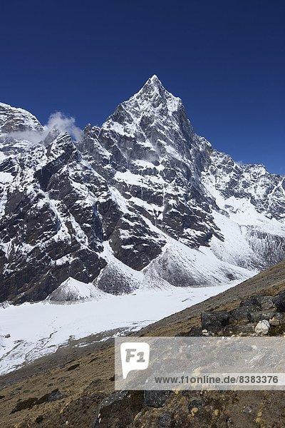 Tal  Himalaya  Cholatse  Jobo Lhaptshan  UNESCO-Welterbe  Asien  Nepal
