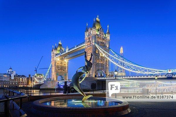 Nacht  London  Hauptstadt  Brücke  Fluss  Themse  Glasscherbe  England