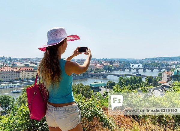 Prag  Hauptstadt  Europäer  Frau  nehmen  Tschechische Republik  Tschechien  jung  Gemälde  Bild