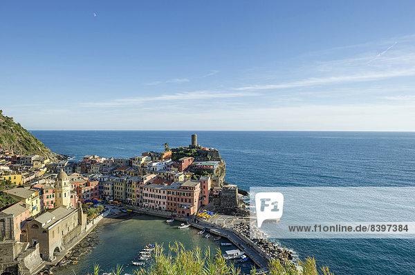 Farbaufnahme, Farbe, Gebäude, Meer, Dorf, Cinque Terre, Italien, Ligurien, Vernazza, Provinz La Spezia