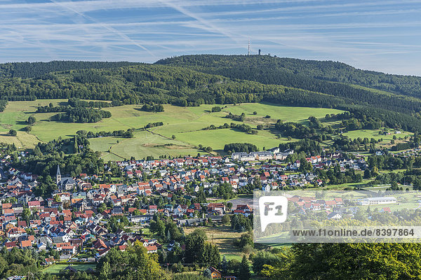 Stadtansicht Brotterode  hinten der Inselsberg  Thüringer Wald  Thüringen  Deutschland