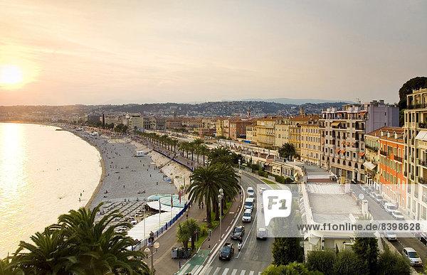 Quai des Etat-Unis and the historic town centre in the evening light  Nice  Provence-Alpes-Côte d?Azur  France