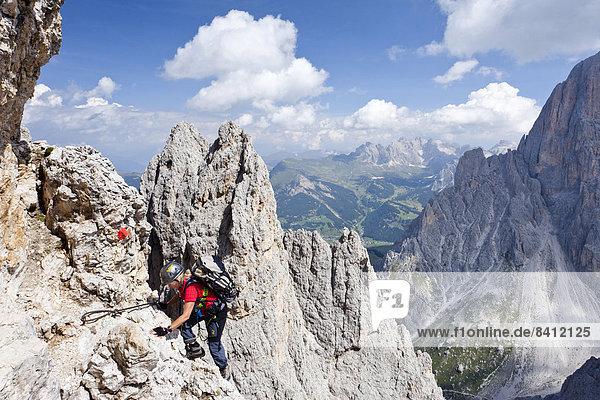 Klettersteig Plattkofel : Dolomiten gröden hinten die geislerspitzen italien iblles03785584