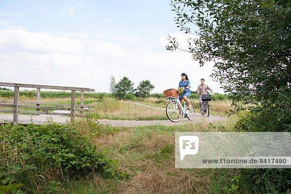 Pärchen für die Fahrradtour