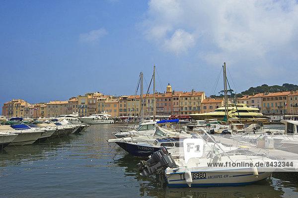 Außenaufnahme  Hafen  Motorjacht  Frankreich  Europa  Tag  Boot  Motorboot  Cote d Azur  Saint Tropez
