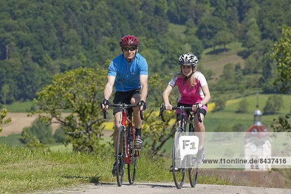 Mountainbike mountain bike Frau Mann Fahrrad Rad Fahrrad fahren