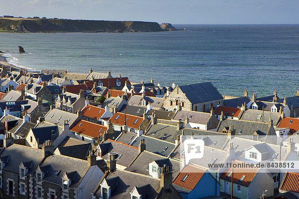Cullen  Great Britain  Europe  Scotland  sea  coast  provincial town  village  houses  homes