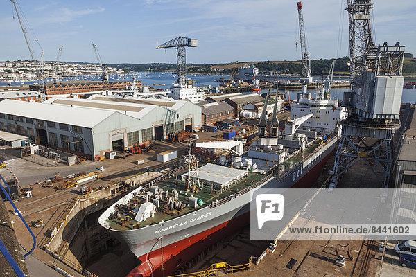 Fischereihafen  Fischerhafen  Hafen  Europa  Industrie  britisch  Großbritannien  Dock  Schiff  verschiffen  Schiffswerft  Cornwall  England  Falmouth