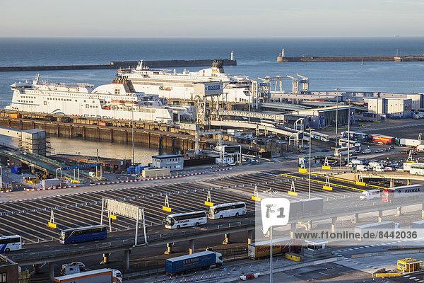 Hafen Europa britisch Großbritannien Küste Meer Dock Schiff Fähre verschiffen England Ärmelkanal Fährterminal Kent