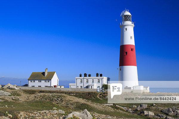 blauer Himmel  wolkenloser Himmel  wolkenlos  bauen  Europa  Großbritannien  Himmel  Küste  Meer  weiß  Natur  Leuchtturm  rot  Streifen  England  Ärmelkanal  Erbe