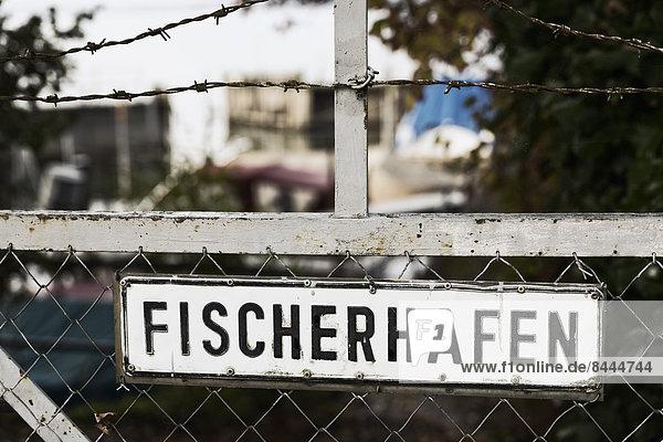 Deutschland  Baden-Württemberg  Uhldingen  Schild am Zaun