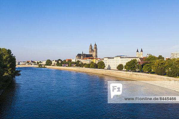 Deutschland  Sachsen-Anhalt  Magdeburg  Stadtbild mit Elbe  Dom und Kloster