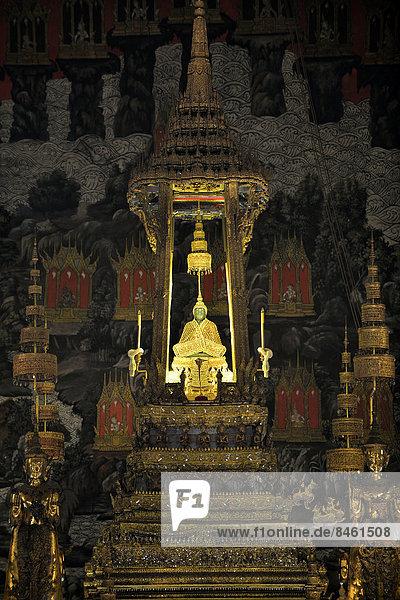 Smaragd-Buddha  Königspalast  Tempel Wat Phra Kaeo  Bangkok  Thailand