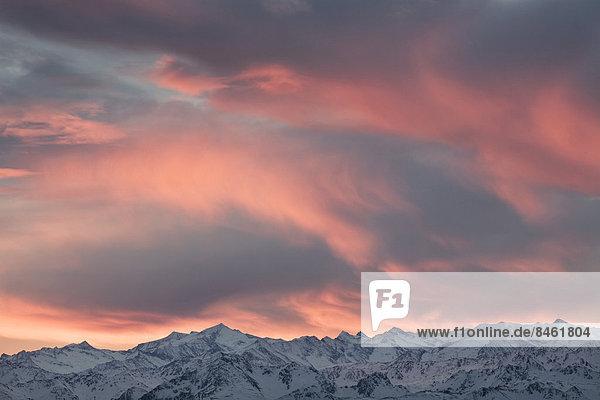 Wolkenstimmung über dem Großvenediger  Hohe Tauern  Salzburg  Österreich Wolkenstimmung über dem Großvenediger, Hohe Tauern, Salzburg, Österreich