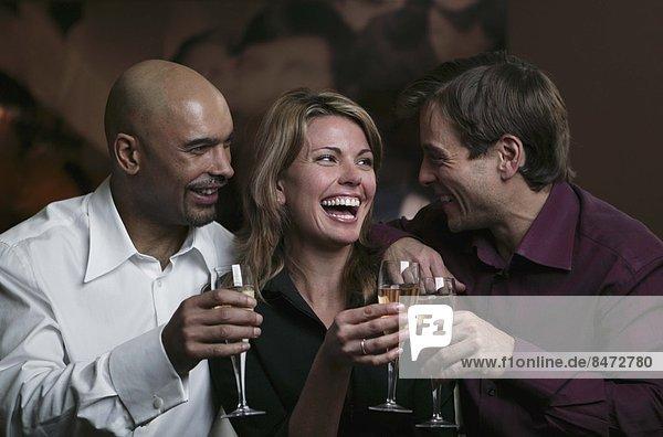 Mensch  Menschen  jung  trinken  3  Champagner