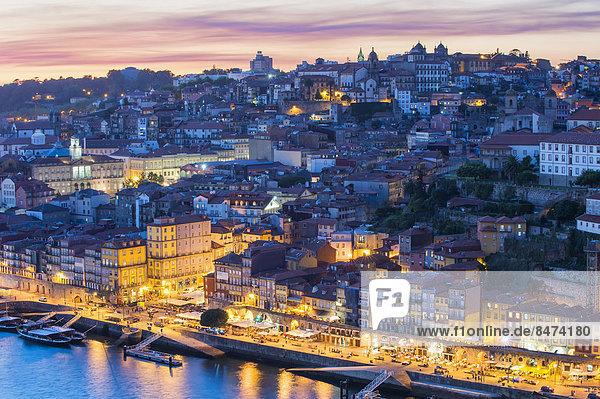 Sonnenuntergang Geschichte Fluss UNESCO-Welterbe Douro Porto Portugal