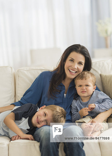 Portrait  Sohn  2  5-9 Jahre  5 bis 9 Jahre  Mutter - Mensch