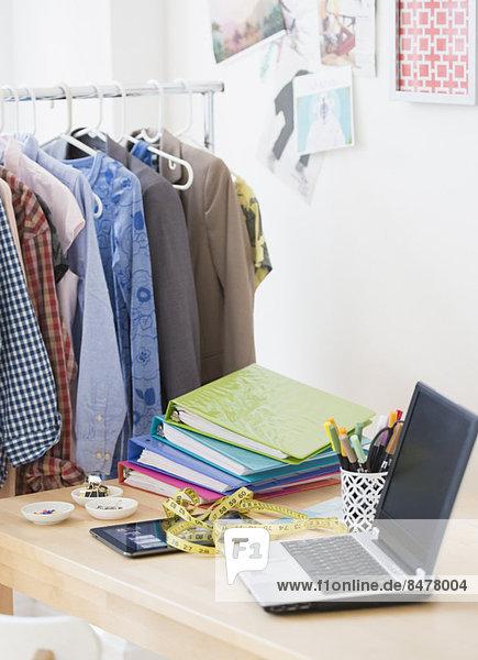 Kleidung , Notebook , Kreativität , Design , Studioaufnahme