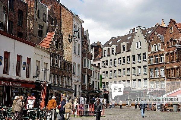 Europa  Mensch  Menschen  gehen  Geschichte  Quadrat  Quadrate  quadratisch  quadratisches  quadratischer  Antwerpen  Belgien