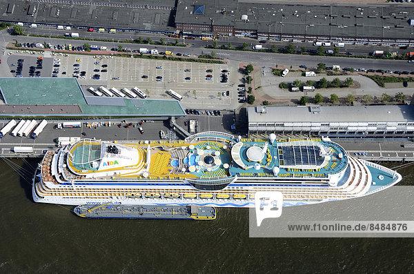 Luftbild  Kreuzfahrtschiff Aida Luna am Kreuzfahrtterminal in Hamburg Altona  Hamburg  Deutschland
