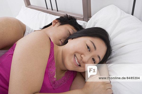 Portrait  Frau  Mann  Fröhlichkeit  Bett  schlafen